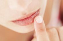 Почему синеют губы?