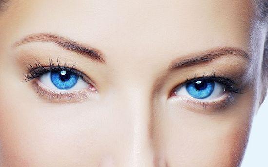 Почему лопаются капилляры в глазах?