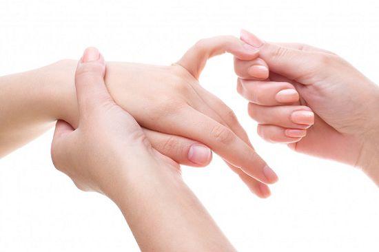 Почему немеют пальцы на руках