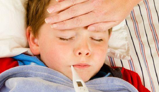 Симптомы-воспаления-легких-у-детей-660x330