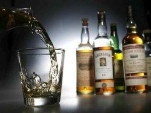 Алкоголь повышает или понижает давление