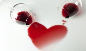 Красное вино повышает или понижает давление?