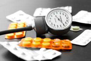 Спазмолгон повышает или понижает давление