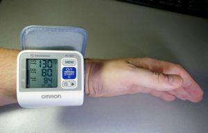 Омрон – измеритель давления
