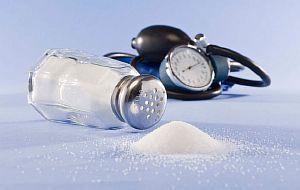 Соль повышает или понижает давление