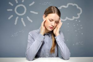 Изображение - Зависимость давления человека headaches-rain_meteozavisimost-300x200
