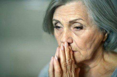 Разница между Альцгеймера, деменцией и Паркинсона
